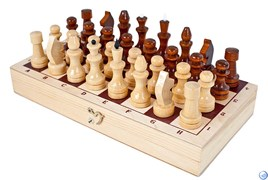 Шахматы лакированные