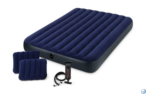 Надувной матрас Intex 64765 двуспальный (с ручным насосом и 2 подушками)  (152х203х22